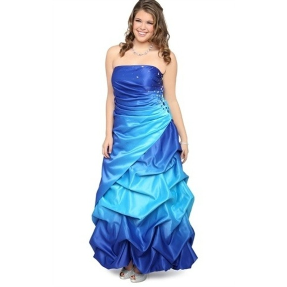 6f44da44fea Deb Dresses   Skirts - Deb Blue Ombre Prom Formal Dress